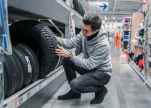 How to Use Tire Treadwear Ratings for Buying New Tires