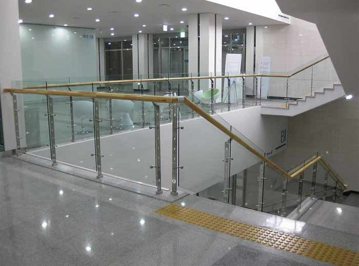 How to Measure for Glass Railing