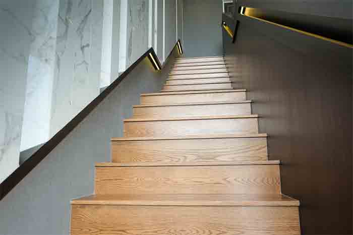The-Best-Way-to-Attaching-Stair-Treads